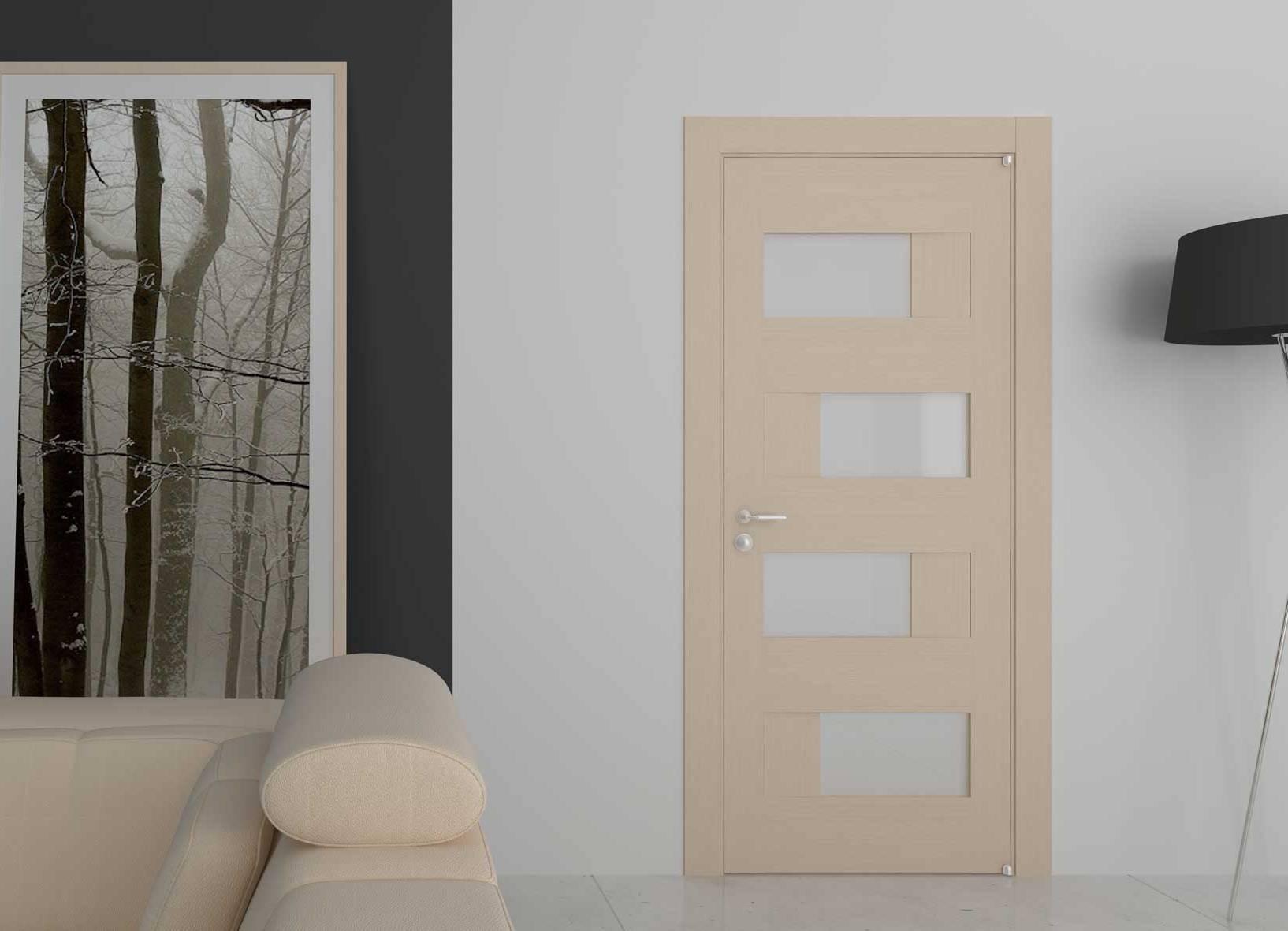 Дверь из беленого дуба с матовым стеклом