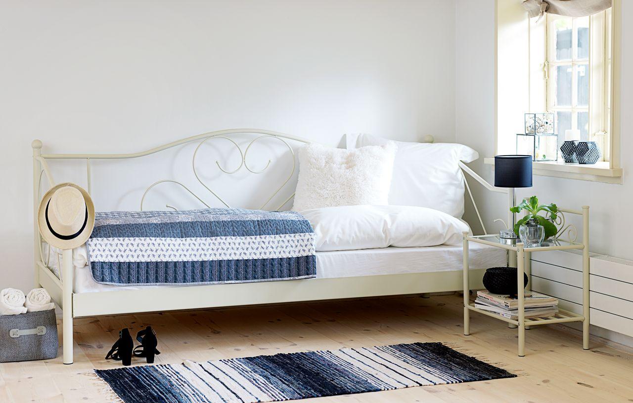 Белый диван-канапе