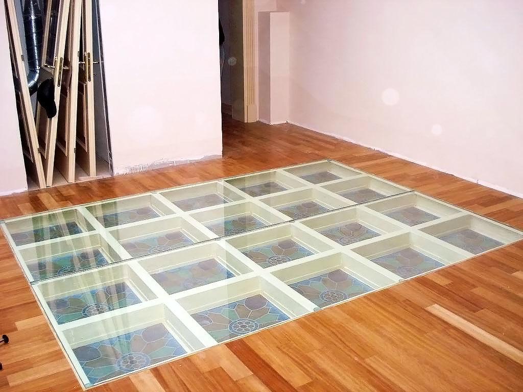Стеклянные блоки в полу