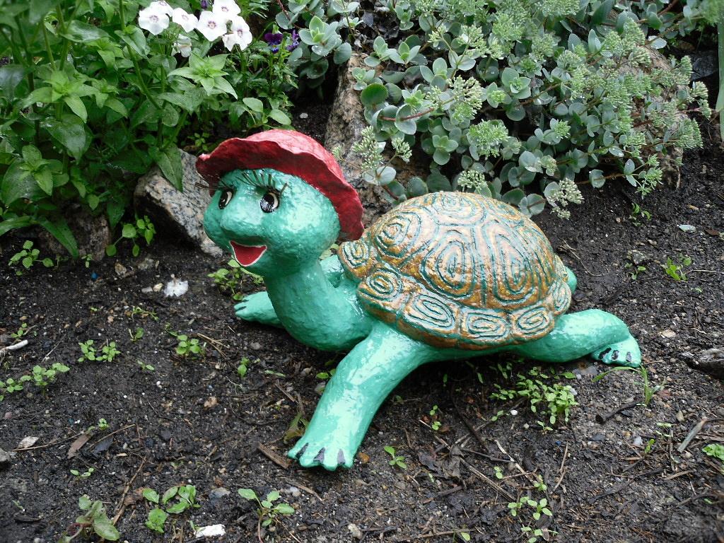 Скульптура черепахи