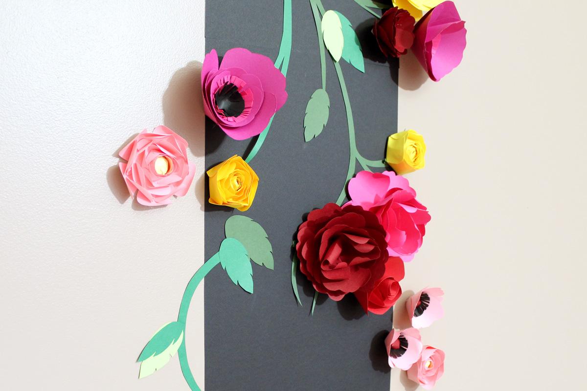 Панно декоративное из бумаги цветной