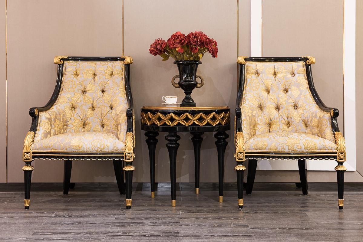 Кресло-трон с золотым декором