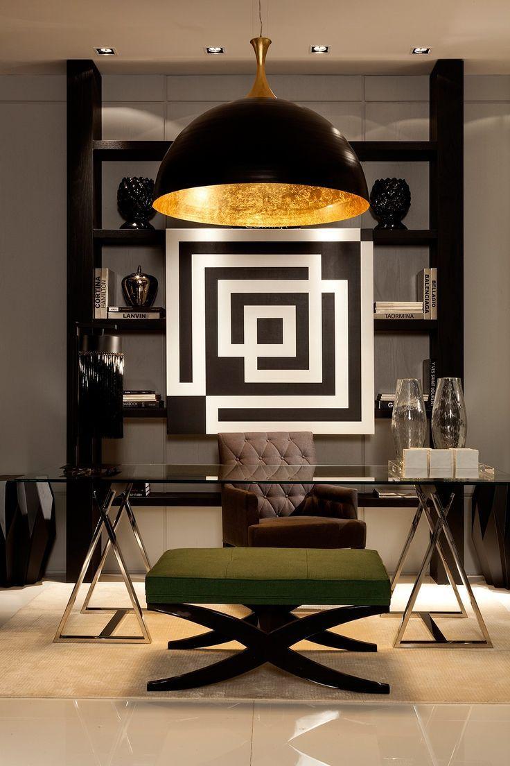 Дизайн интерьера кабинета руководителя с декором