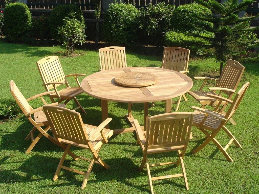 Деревянные садовые стулья