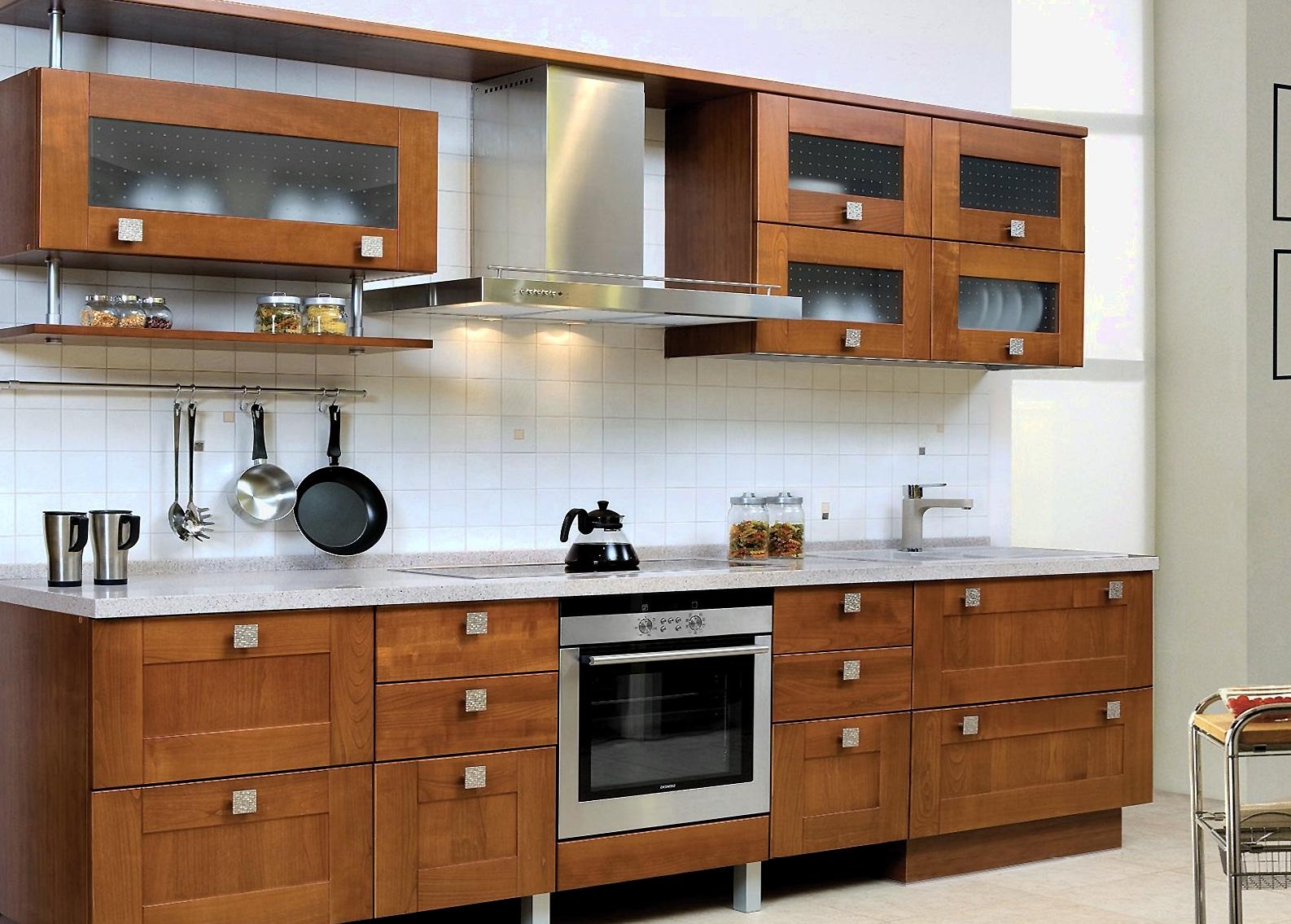 Прямой кухонный гарнитур из дерева