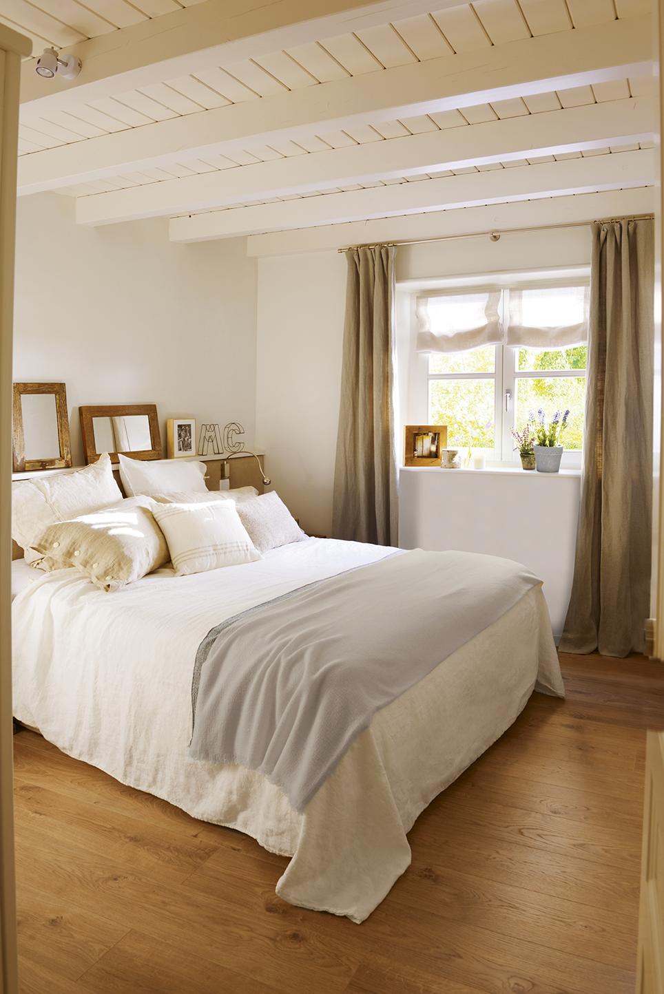 Расстановка мебели в спальне в деревенском стиле