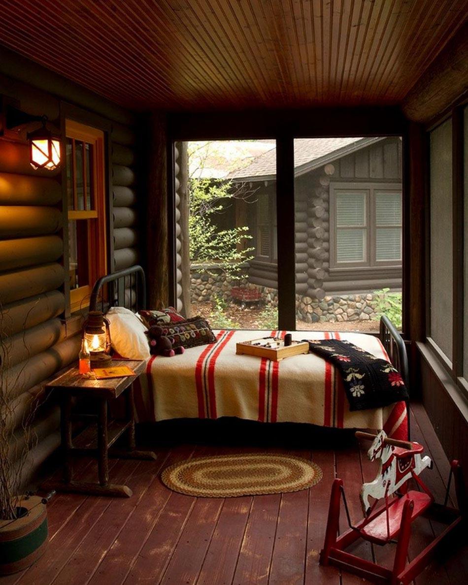 Дизайн узкой спальни в деревенском стиле