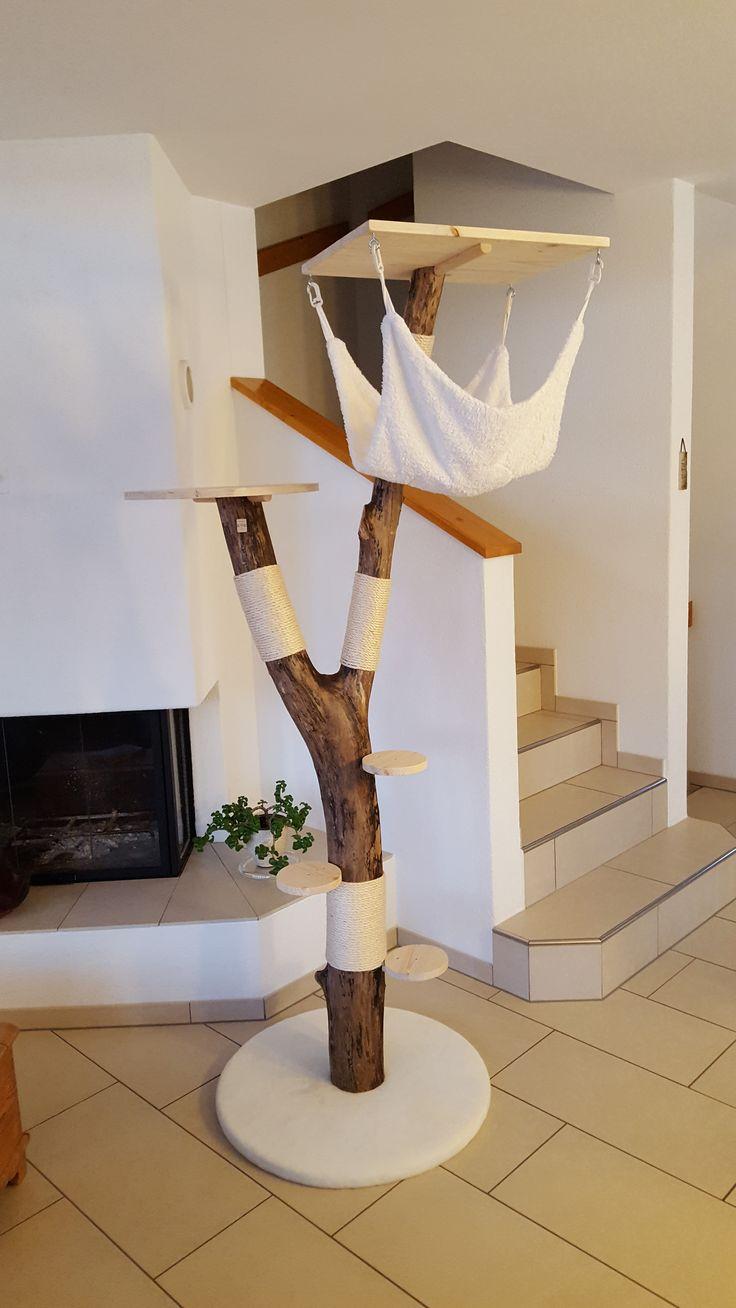 Гамак для кошки на дереве декоративном