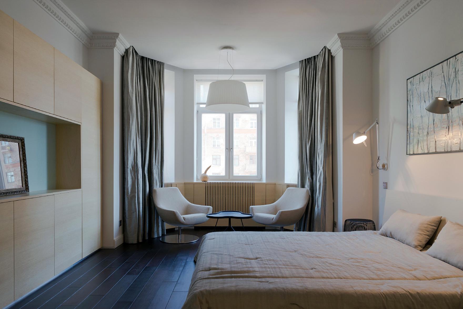 Эркерное окно в спальне
