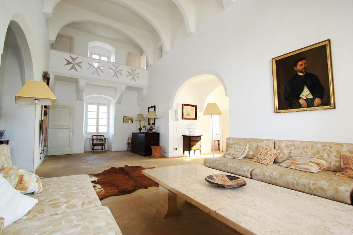 Европейский замковый интерьер частного дома