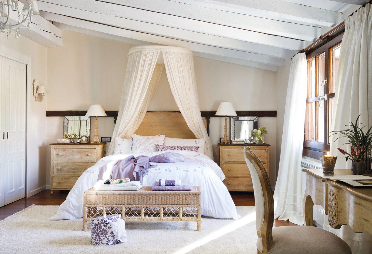 Расстановка мебели в спальне французской