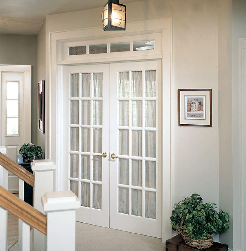 Межкомнатная дверь со стеклом французская