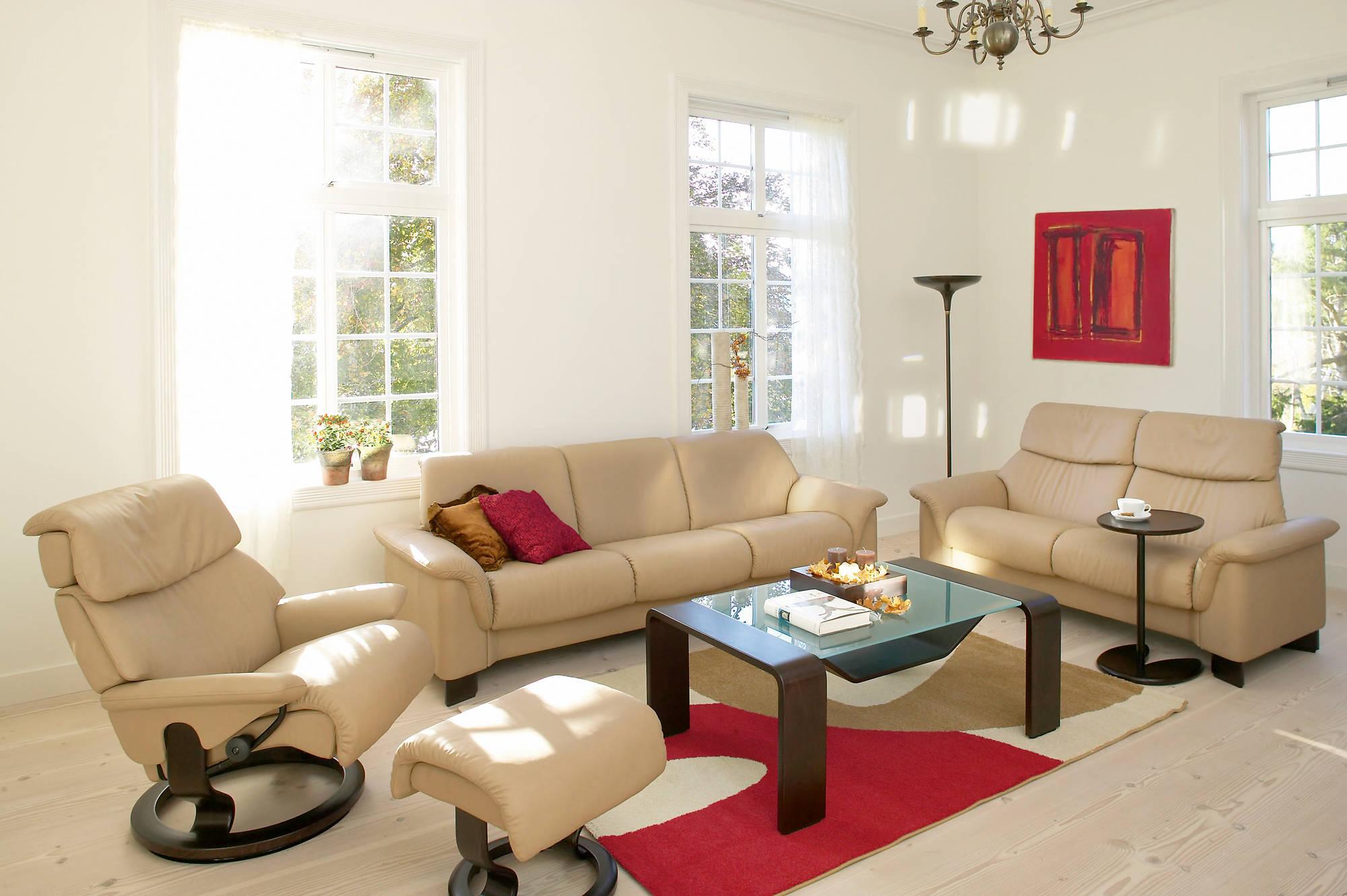 Кресло реклайнер в ансамбле мягкой мебели