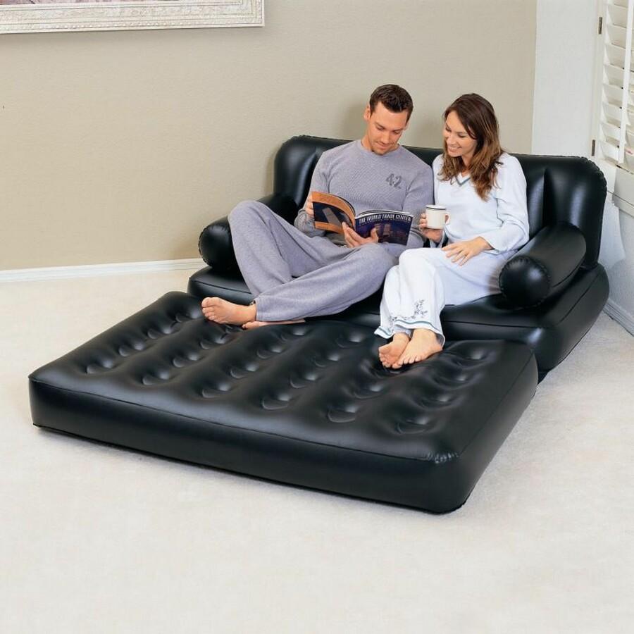 Надувной диван в интерьере
