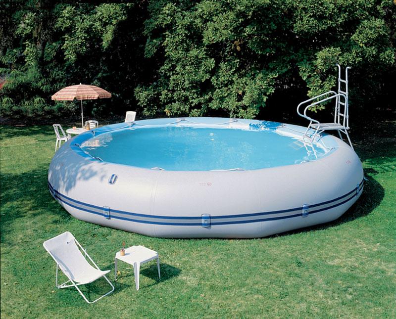 Глубокий надувной бассейн