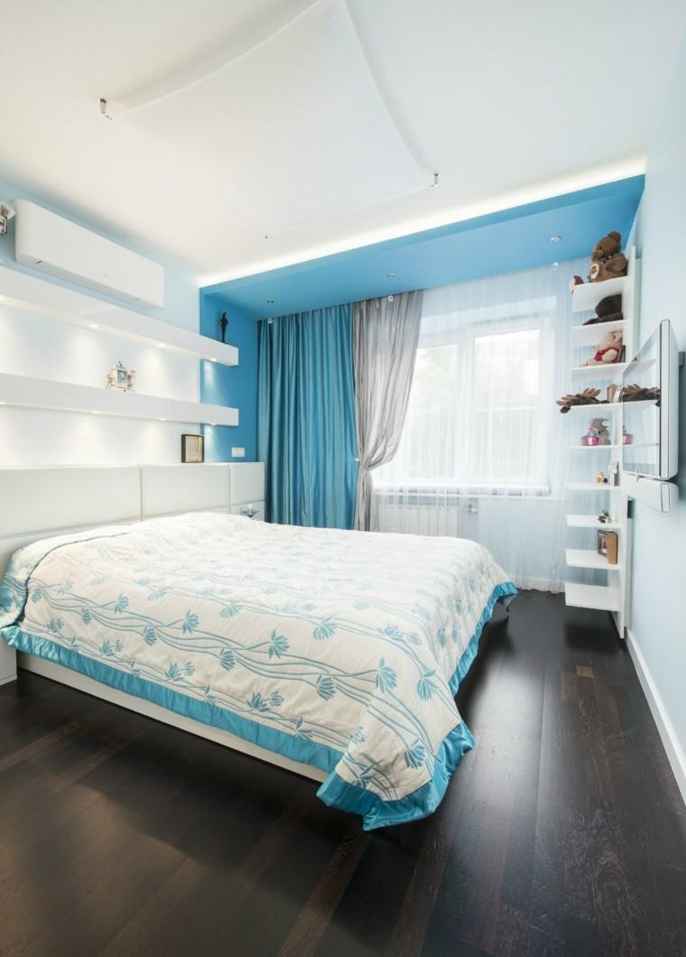 Расстановка мебели в спальне голубой