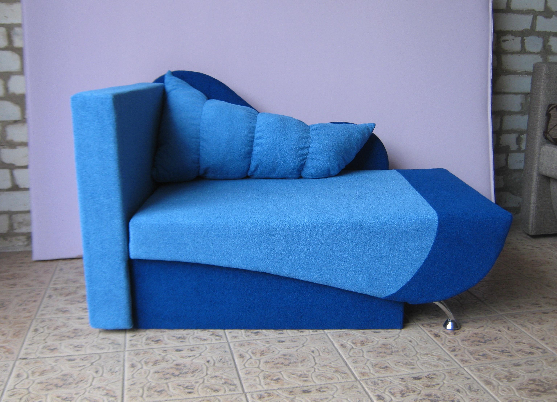 Голубой диван-канапе