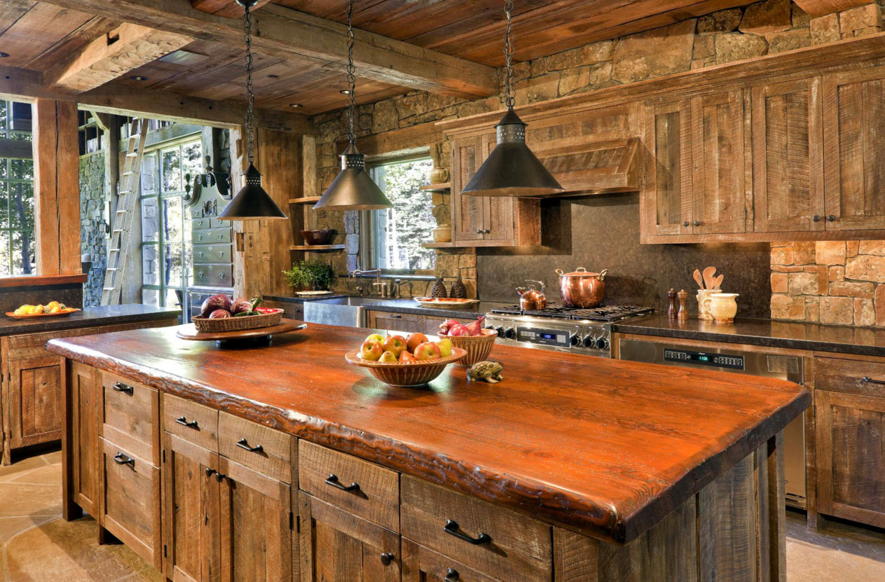 Кухня из дерева грубой обработки