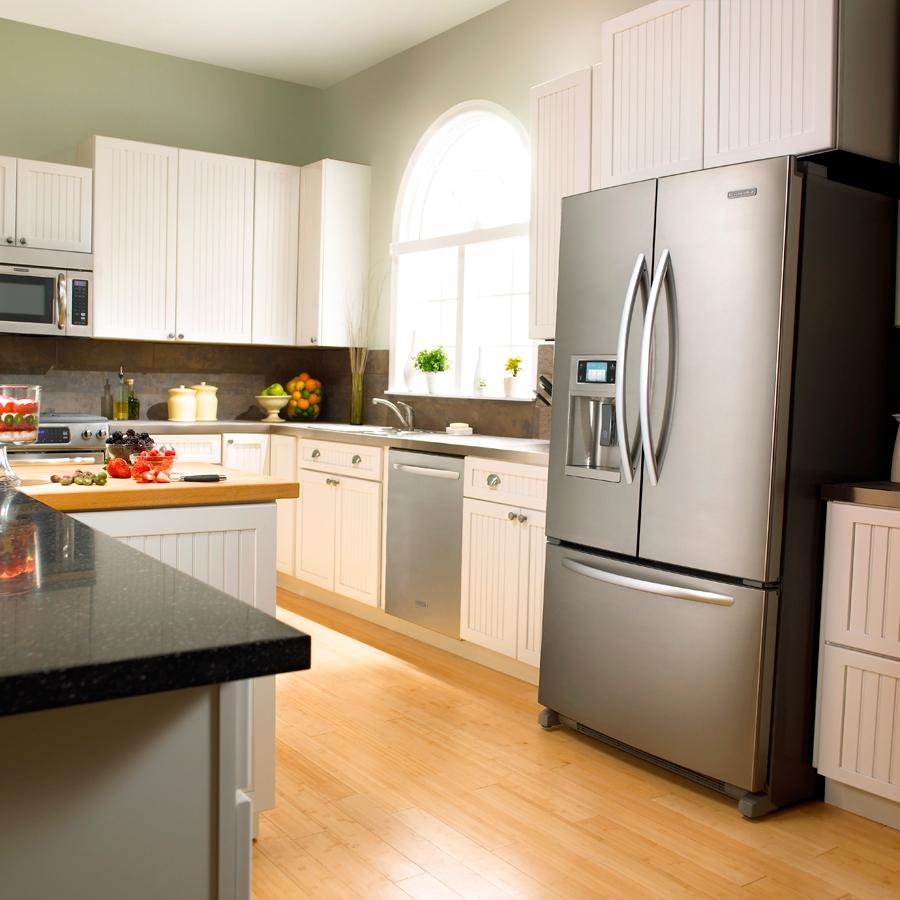 Хромированный дизайн двухдверного холодильника
