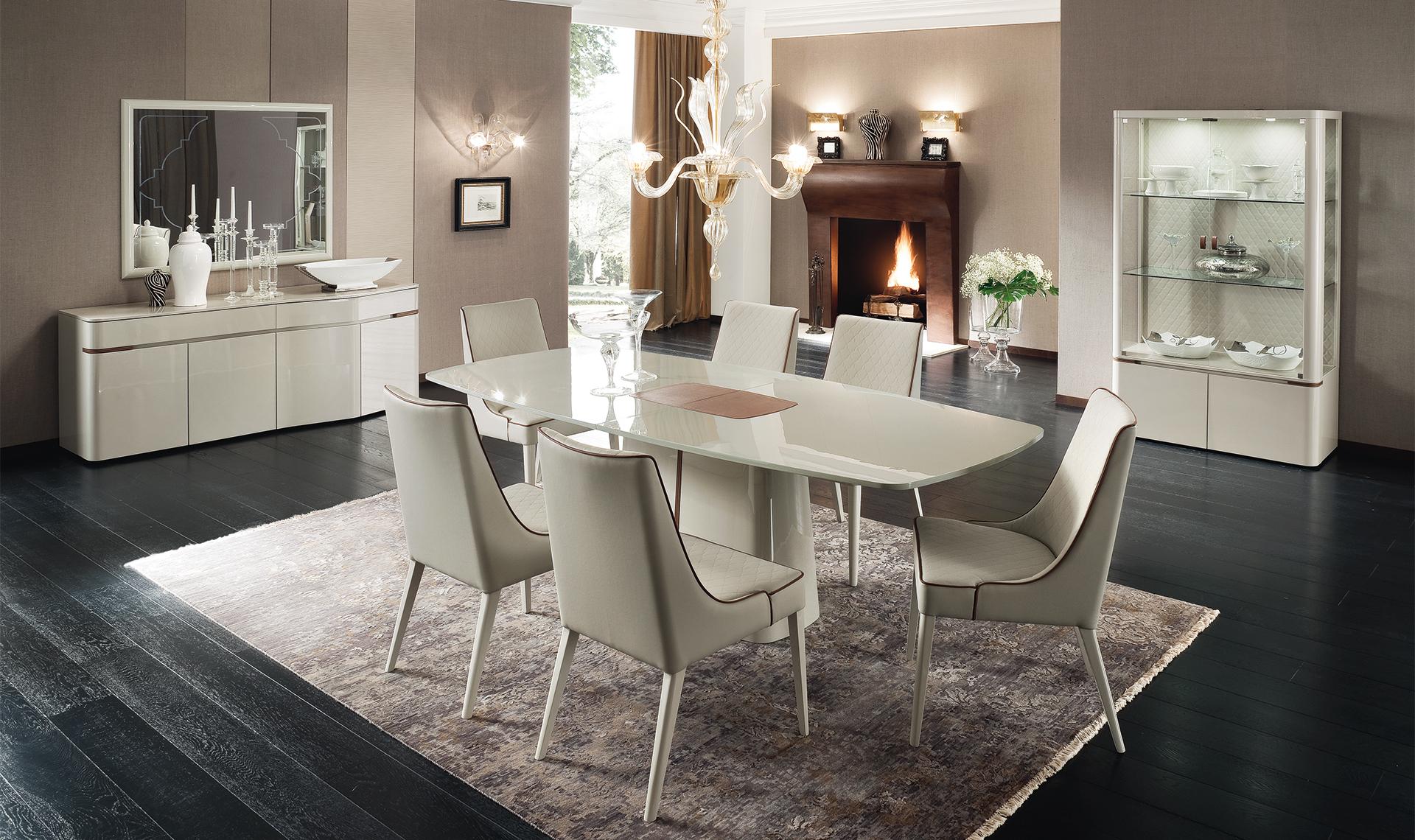 Итальянский глянцевый стол