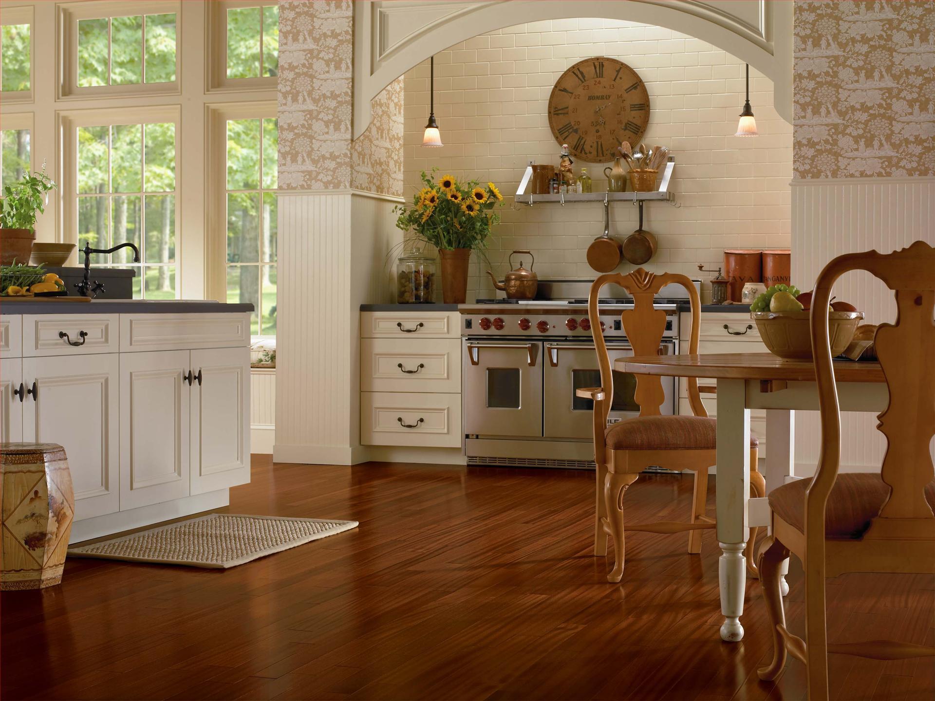 Ламинат под орех на кухне в стиле кантри
