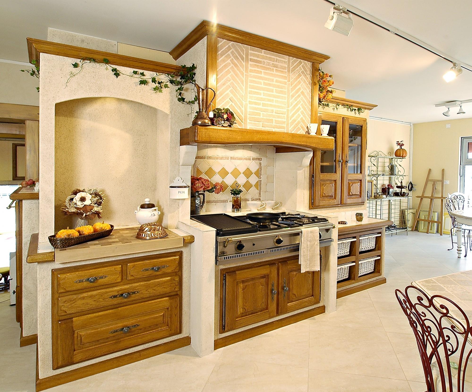 Кухня из массива в стиле кантри
