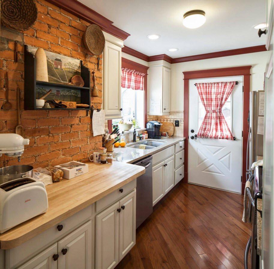 Кирпич на кухне в стиле кантри