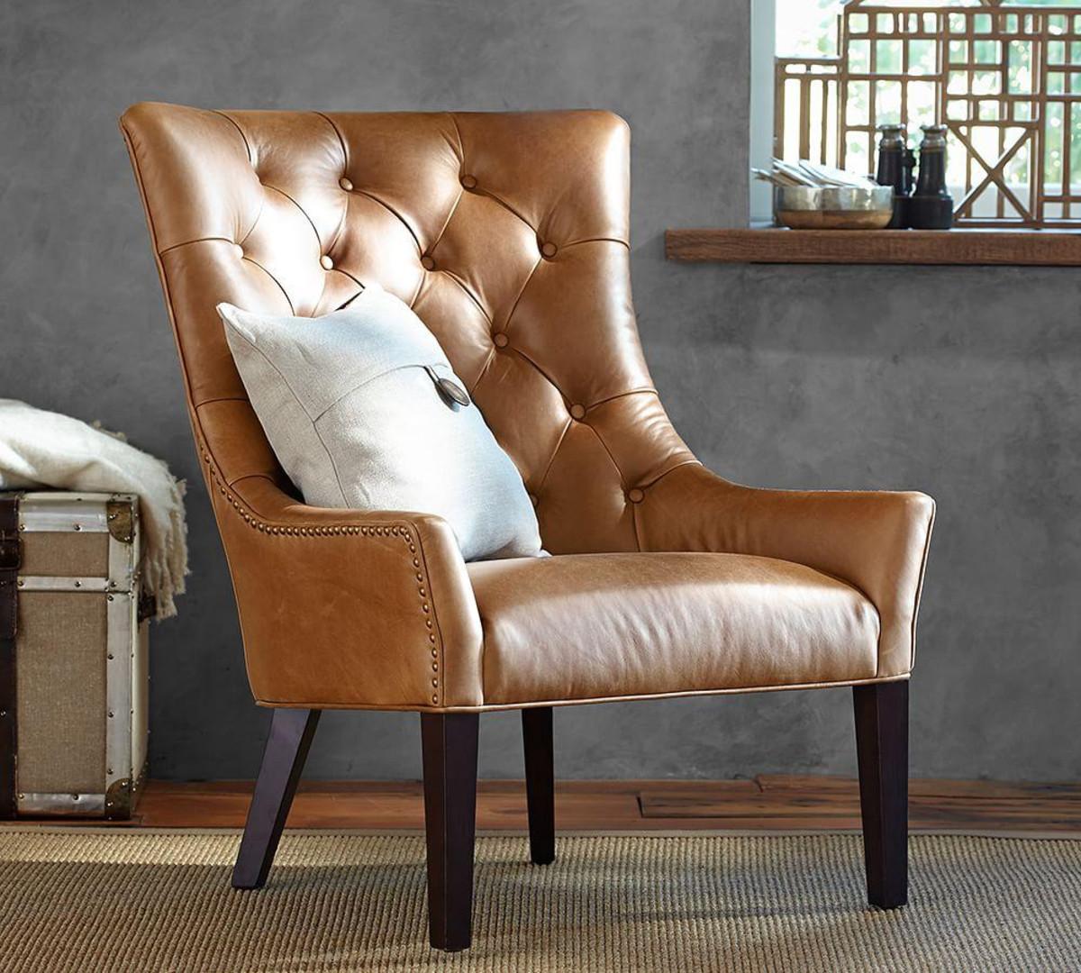 Каретная обивка на кожаном кресле