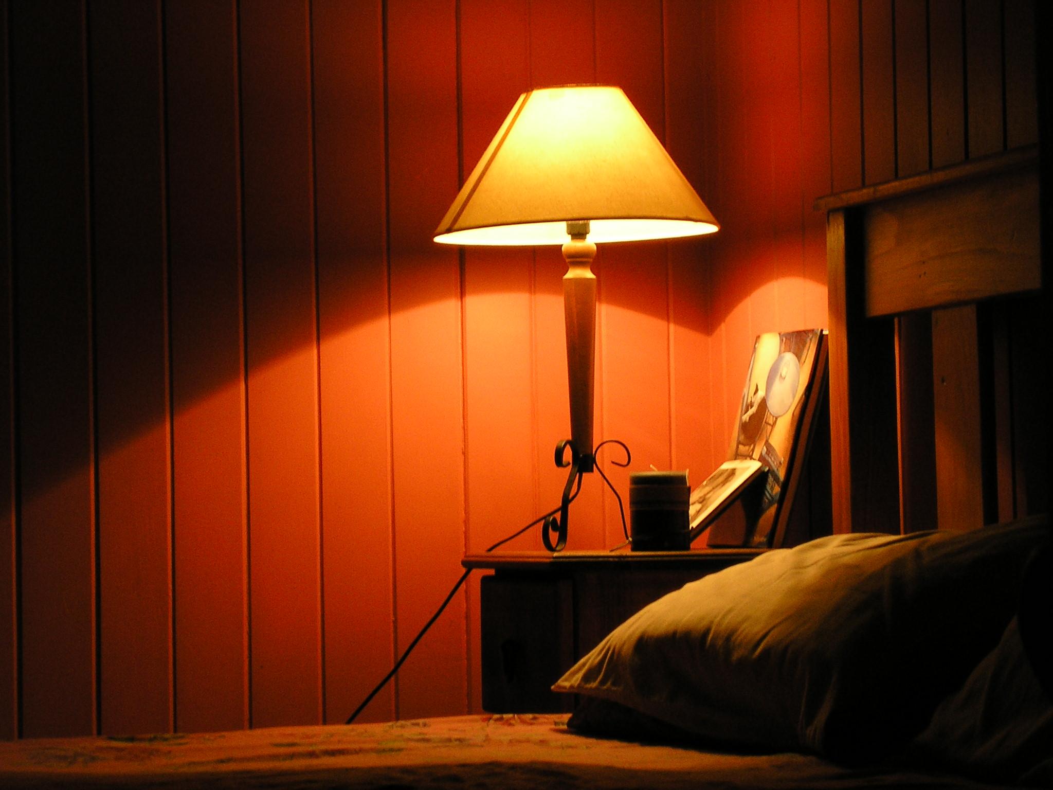 Кованая светодиодная лампа