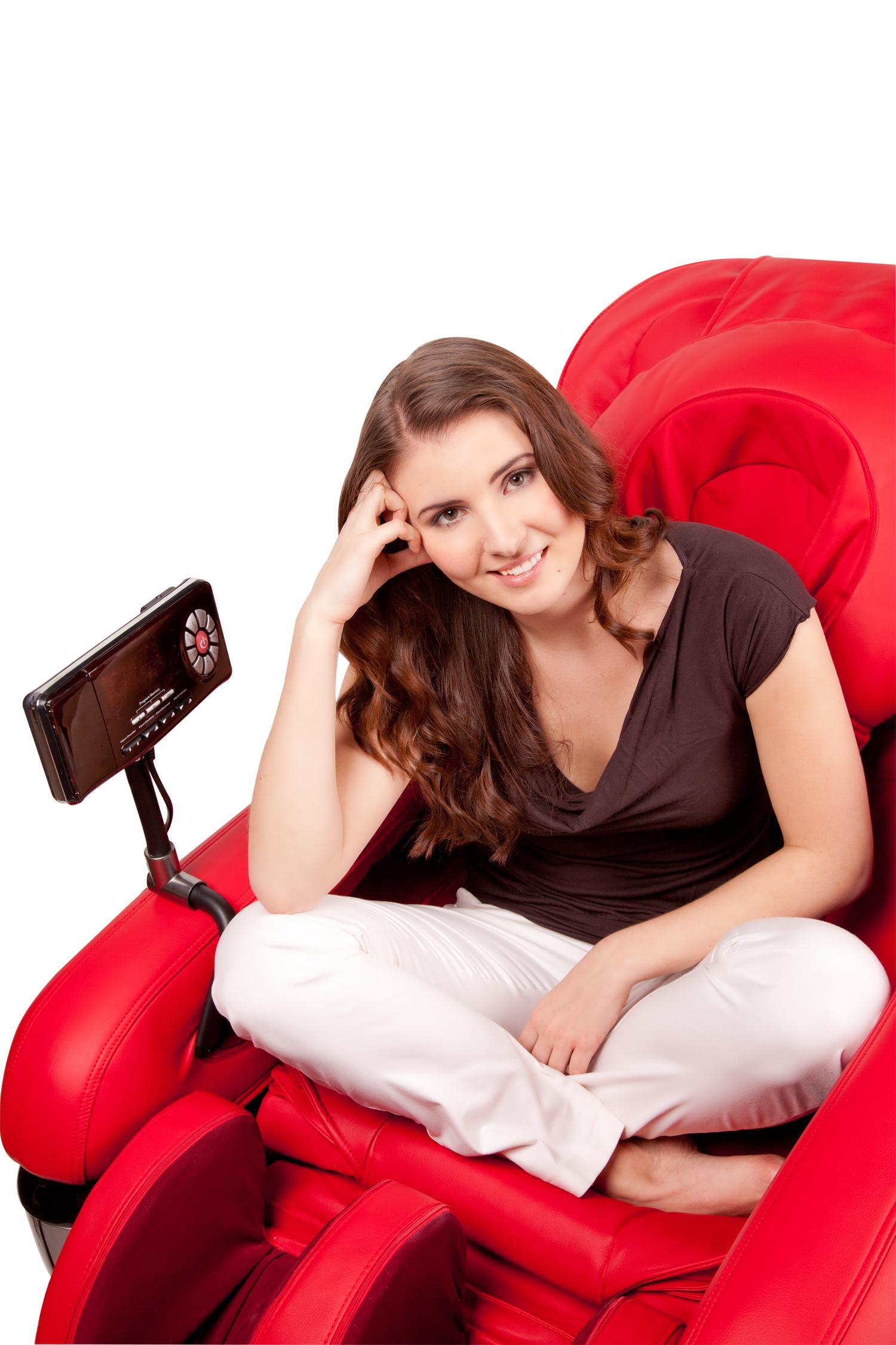 Красное массажное кресло