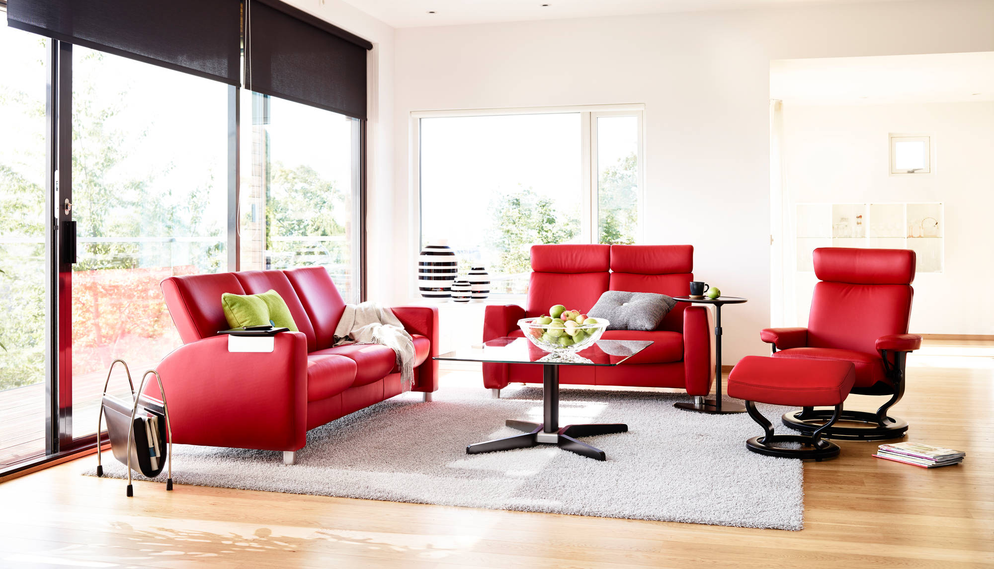 Красное кресло реклайнер