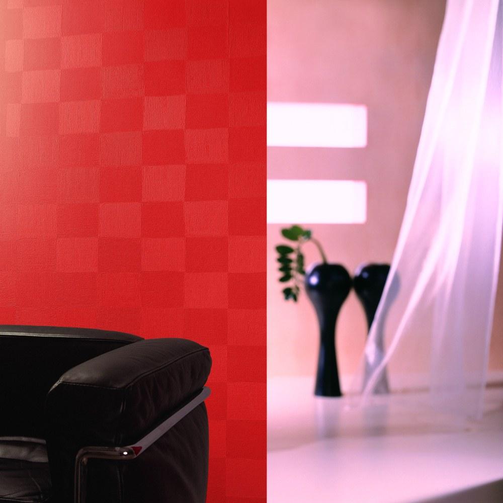 Красная краска для обоев с декором