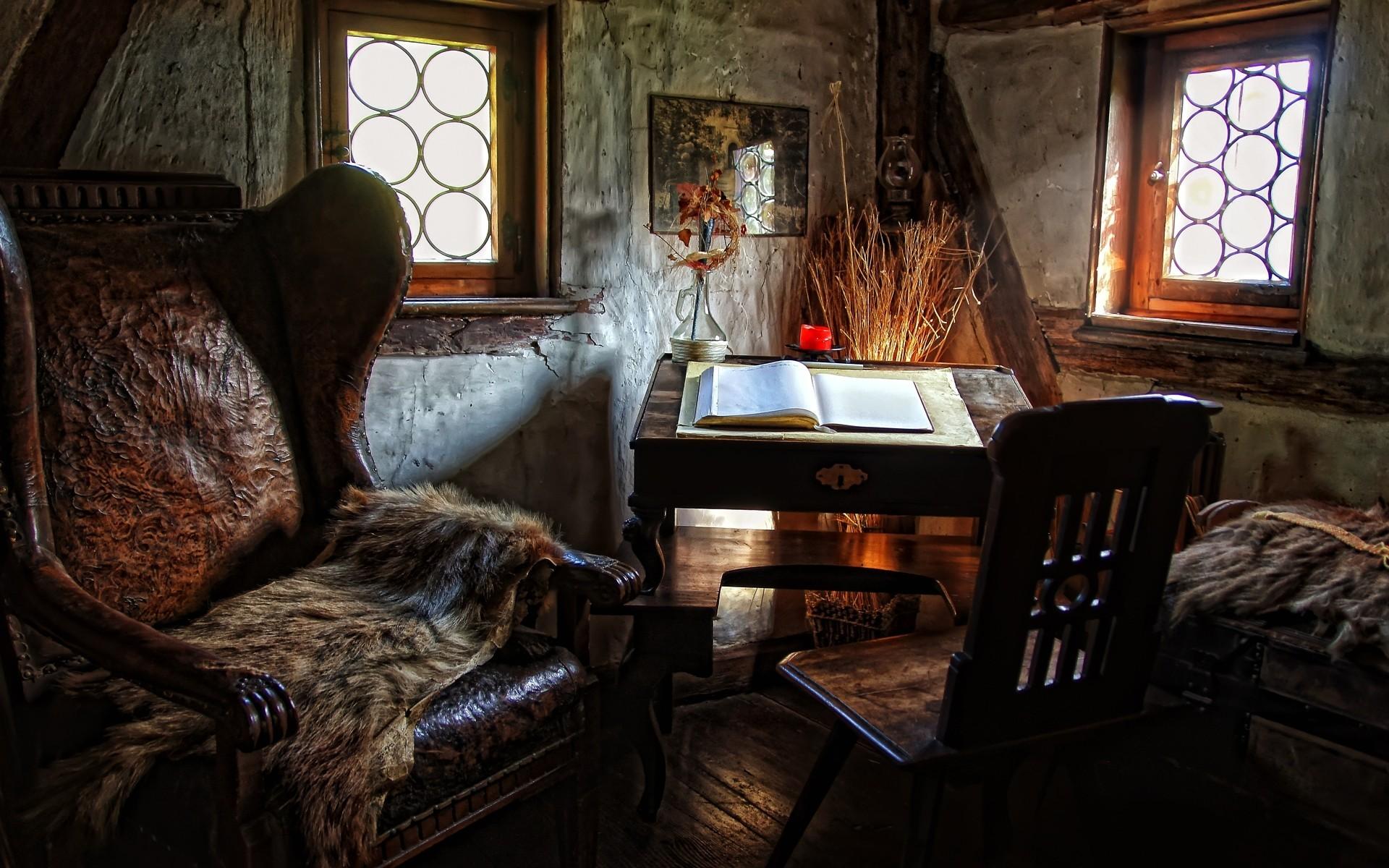 Декоративный плед на кресле в английском стиле
