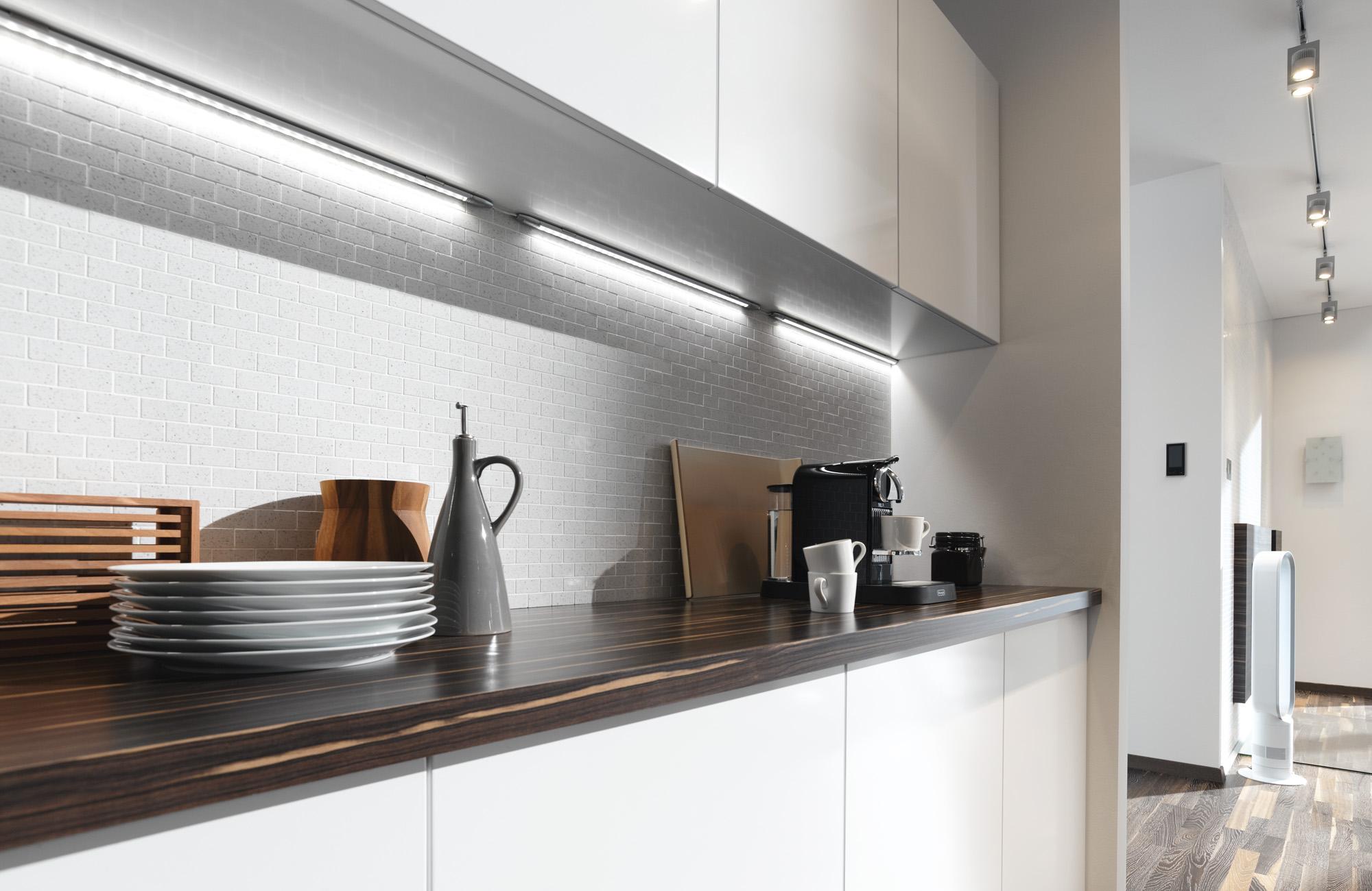 Подвсветка кухонной столешницы светодиодными лампами