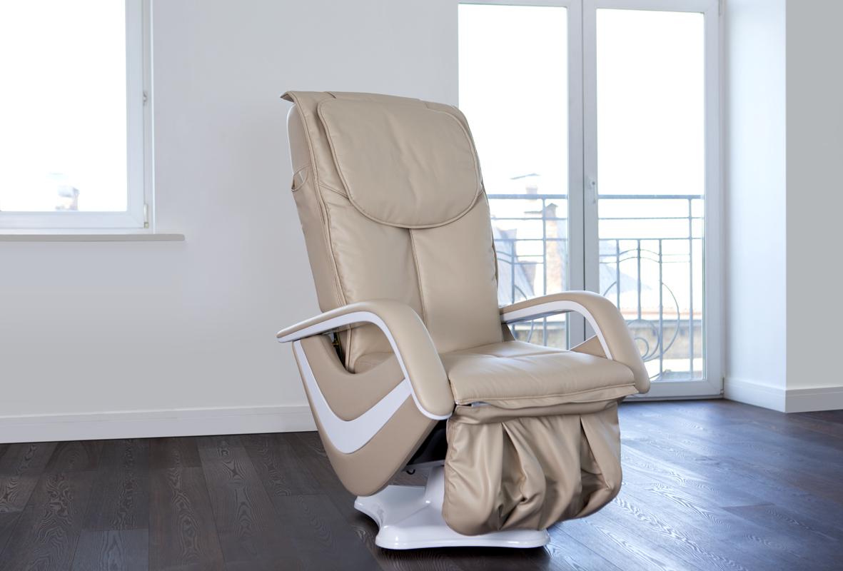 Массажное кресло в квартире