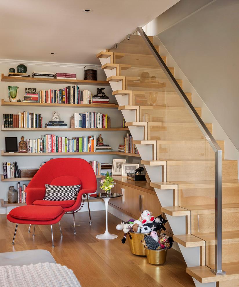 Лестница из ламинированного дерева