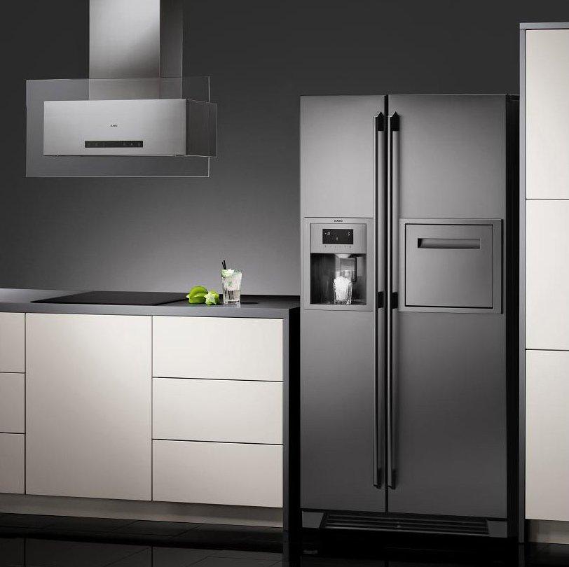 Двухдверный холодильник с функцией приготовления льда