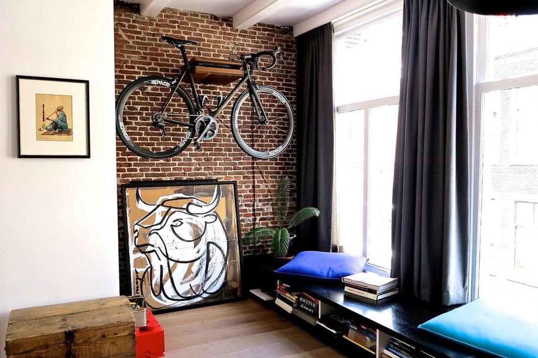 Велосипед в интерьере лофта