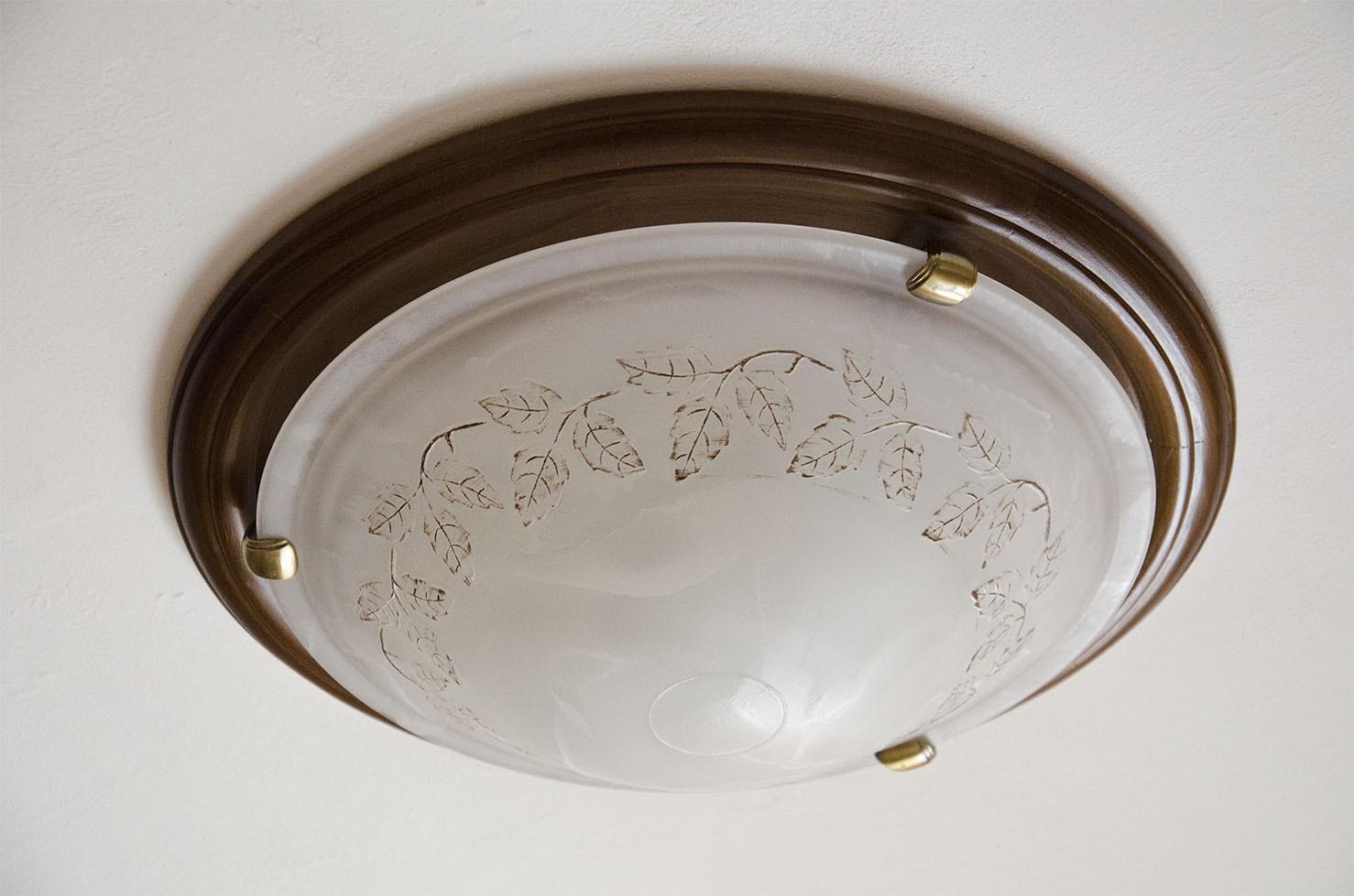 Потолочный плафон с матовым стеклом