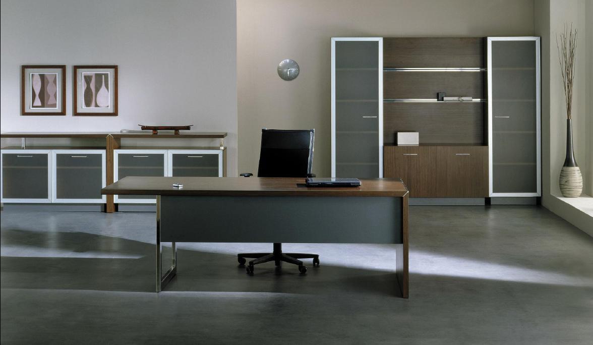Мебель для кабинета с металлическим декором