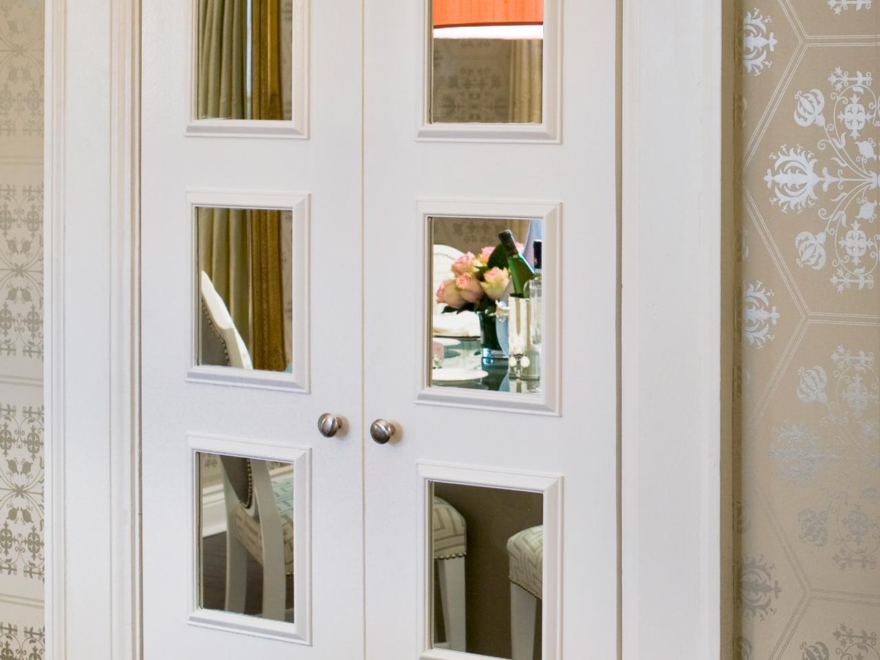 Зеркальная межкомнатная дверь