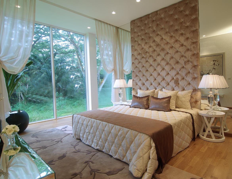 Мягкая панель над кроватью в стиле модерн