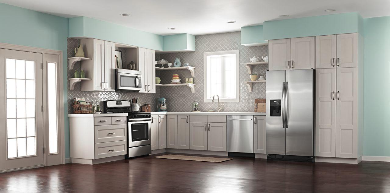Двухдверный холодильник в стиле модерн