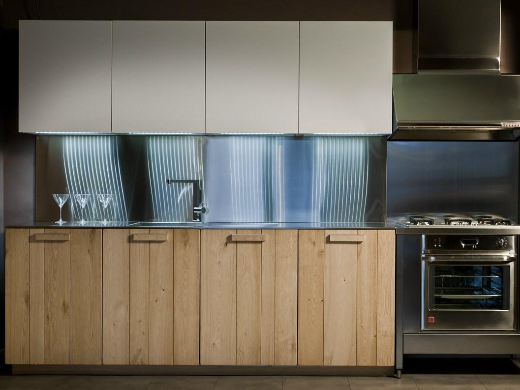 Кухня из массива в стиле модерн