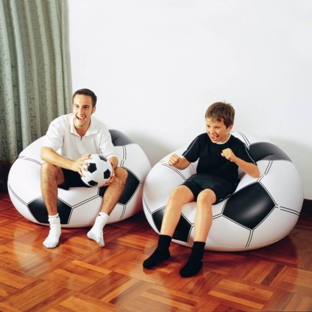 Надувное кресло в виде мяча