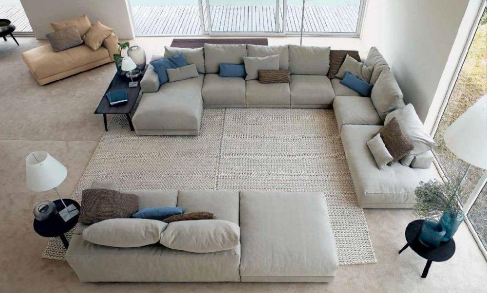 Бескаркасная мебель в мягкой зоне дома