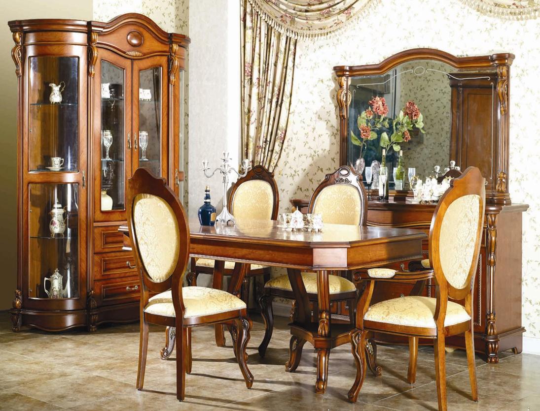 Столовый гарнитур с мягкими стульями