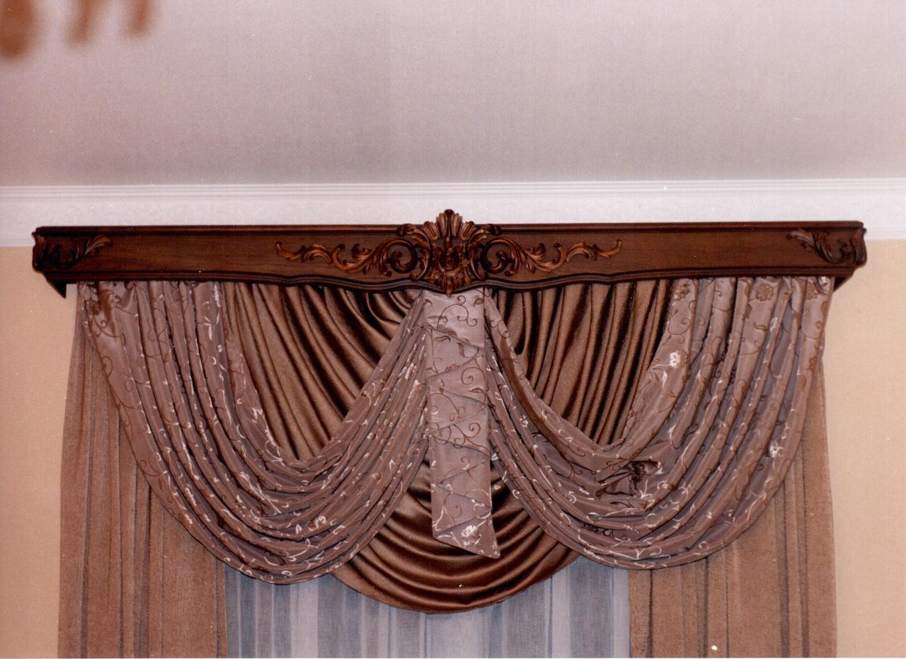 Карниз для штор из натурального дерева