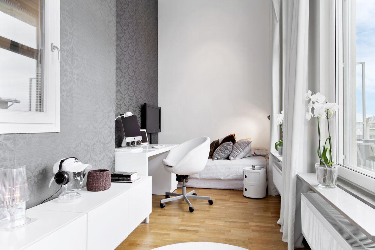 Неоклассический дизайн узкой спальни