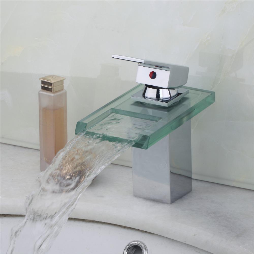 Однорычажный смеситель с каскадным изливом для ванны